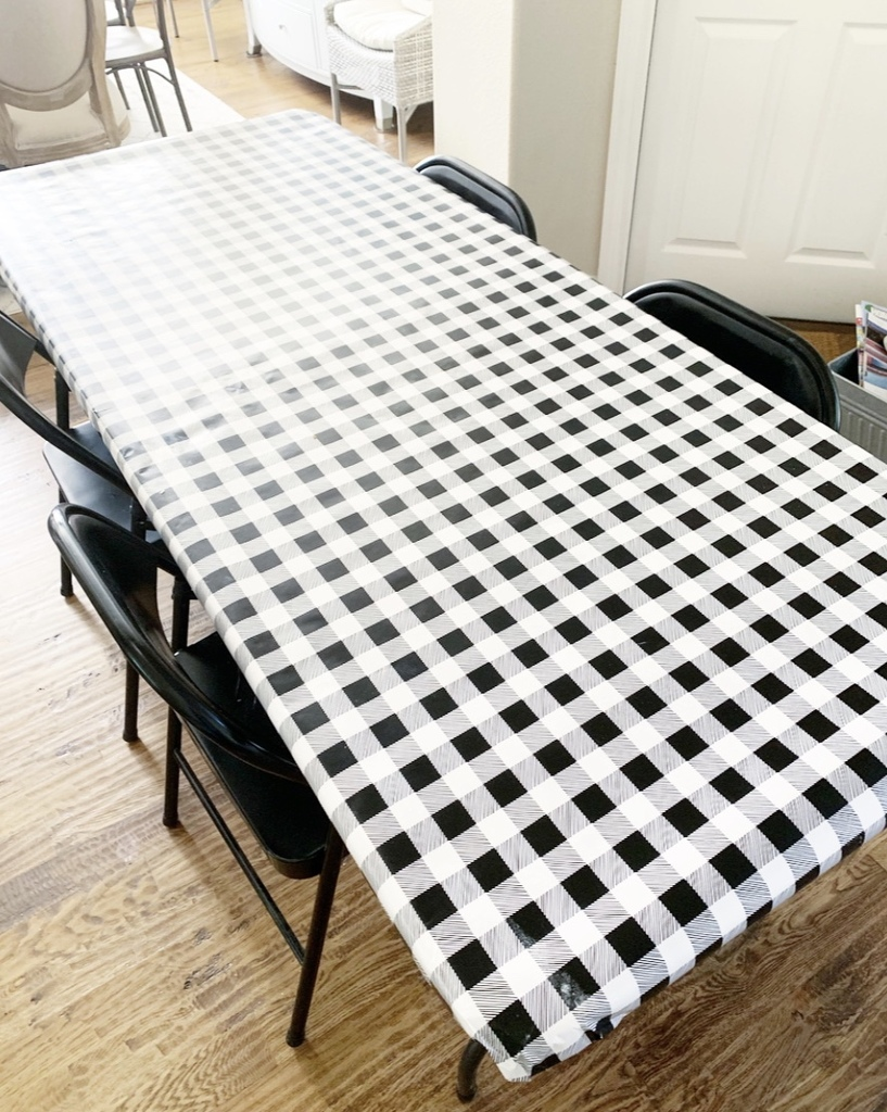 wrapping paper table